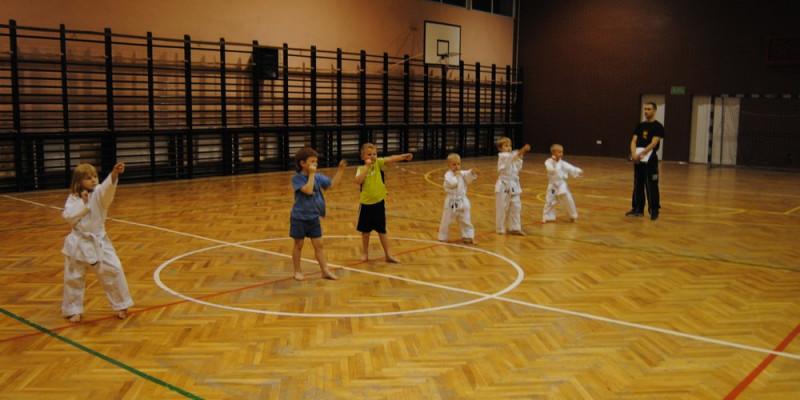 Sekcja karate sportowego zdała Egzamin