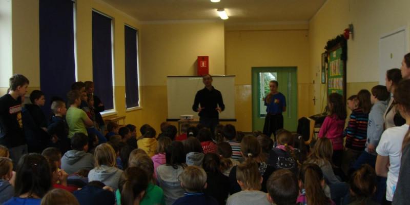 Wizyta Rafała Karcza w szkole w Orlu