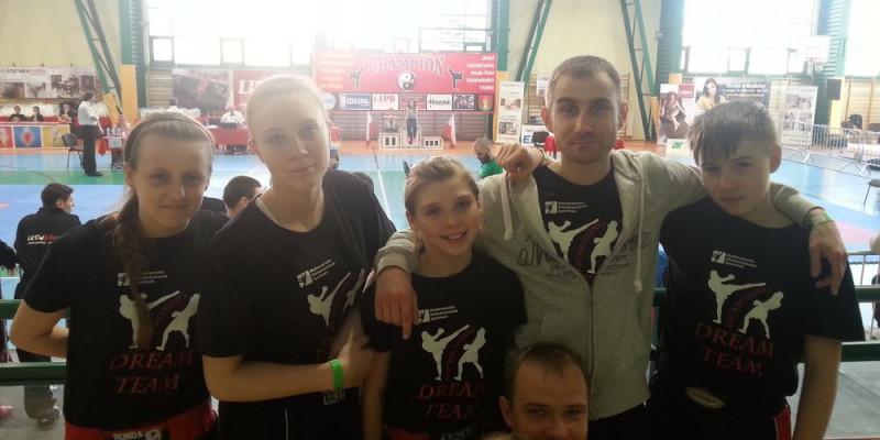 Zuzia Kalbarczyk podwójną Mistrzynią Polski w kickboxingu