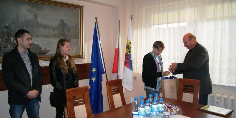 Nela i Oliwer nagrodzeni przez Wójta