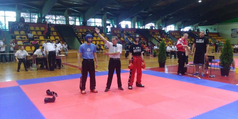 9 medali na Mistrzostwach Polski kadetów i seniorów w kickboxingu